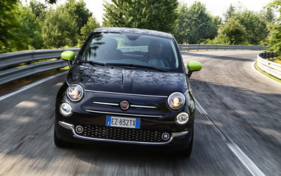 2016 Black Fiat 500 on the road wallpaper