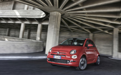 2016 Red Fiat 500 in a parking structure wallpaper