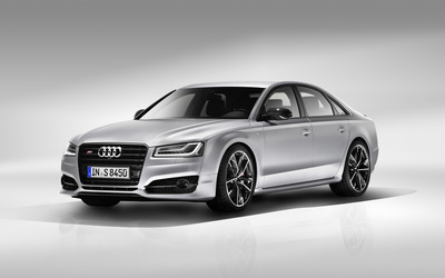 2016 Silver Audi S8 front side view wallpaper