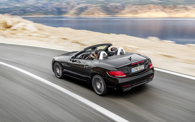 2017 Mercedes-AMG SLC 43 on the road Wallpaper