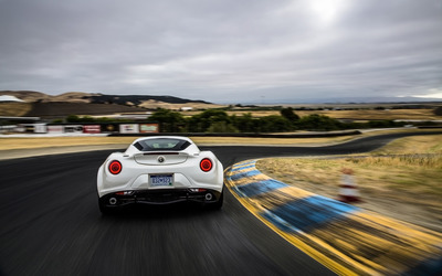 Alfa Romeo 4C [66] wallpaper