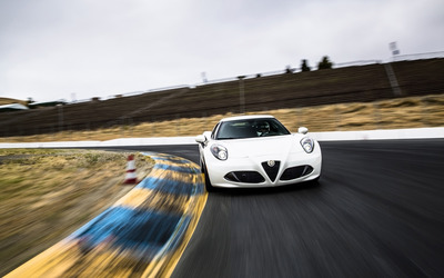 Alfa Romeo 4C [84] wallpaper
