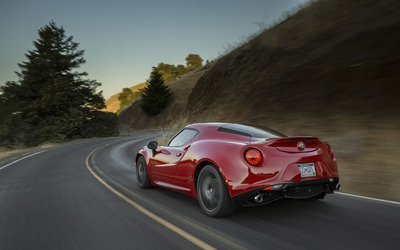 Alfa Romeo 4C [82] wallpaper