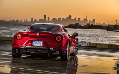 Alfa Romeo 4C [65] wallpaper