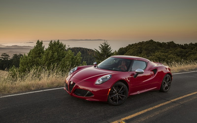 Alfa Romeo 4C [63] wallpaper