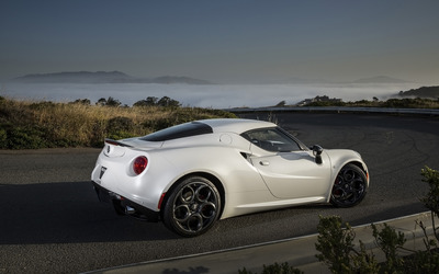 Alfa Romeo 4C [68] wallpaper