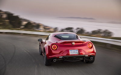 Alfa Romeo 4C [37] wallpaper