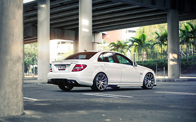 AMG Mercedes-Benz C63 [2] wallpaper