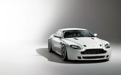 Aston Martin V8 Vantage [4] wallpaper