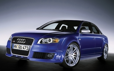 Audi RS4 wallpaper
