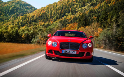 Bentley Continental GT front view wallpaper