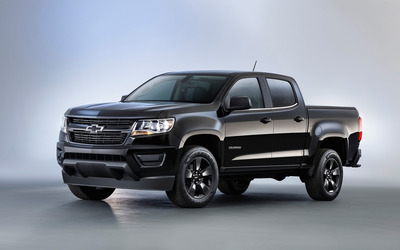 Black Chevrolet Colorado Z71 front side view wallpaper