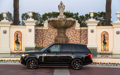 Black STRUT Land Rover Range Rover side view wallpaper