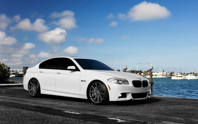 BMW 4 Series side view wallpaper