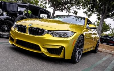 BMW M4 wallpaper