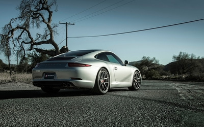 Boden Porsche 911 Carrera S back view wallpaper