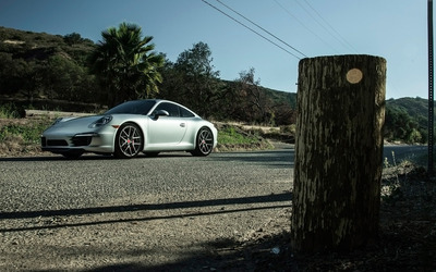 Boden Porsche 911 Carrera S front side view from far wallpaper