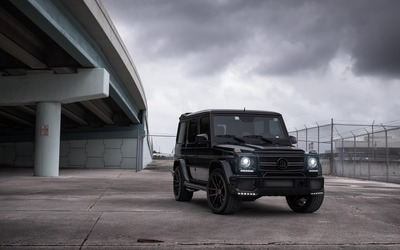 Brabus Mercedes-Benz G-Class under a bridge wallpaper