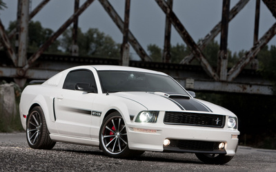 Ford Mustang GT/CS wallpaper