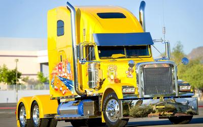 Freightliner Truck wallpaper