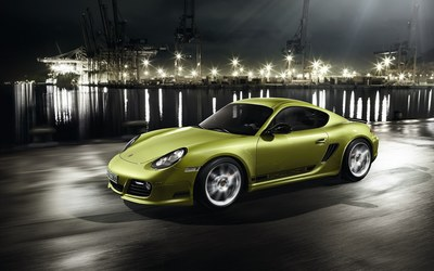 Green Porsche Cayman in the harbor wallpaper