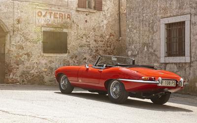 Jaguar E-Type wallpaper