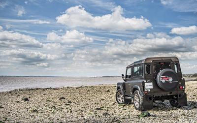 Kahn Land Rover Defender back view Wallpaper