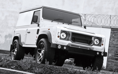 Kahn Land Rover Defender front side view wallpaper
