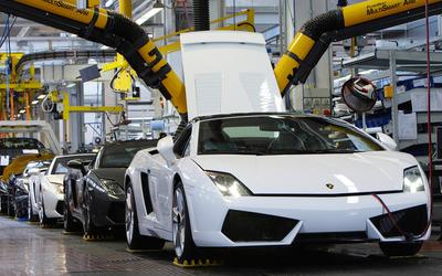 Lamborghini Assembly Line wallpaper