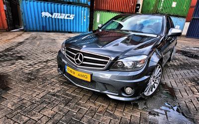 Mercedes-Benz C63 AMG wallpaper