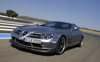 Mercedes-Benz SLR McLaren 722 wallpaper 1920x1080 jpg