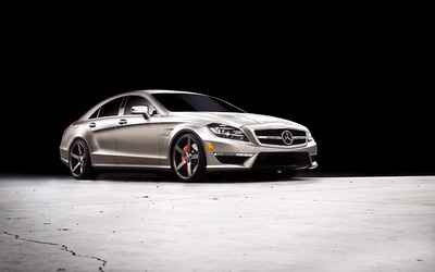 Mercedes-Benz CLS63 AMG Sedan wallpaper