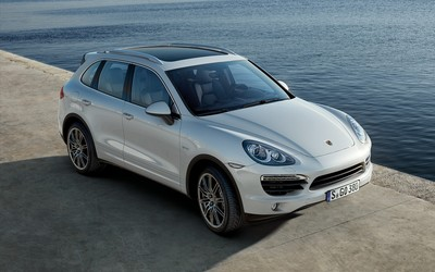 Porsche Cayenne 2011 wallpaper