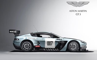 Racing Aston Martin Vantage GT3 Wallpaper