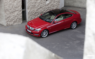 Red 2011 Mercedes-Benz C 250 wallpaper