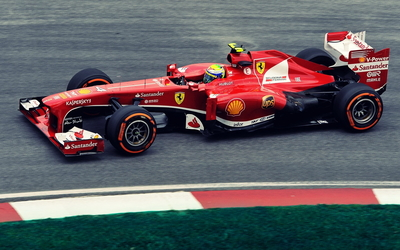 Red Ferrari F138 side view wallpaper