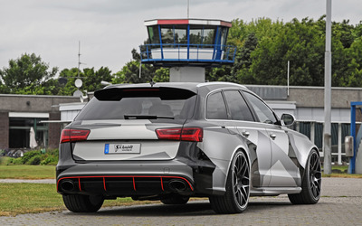 Schmidt Audi RS 6 quattro near the control tower wallpaper