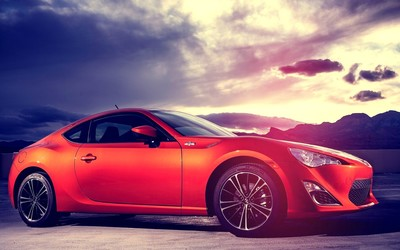 Side view of a 2015 Scion FR-S wallpaper