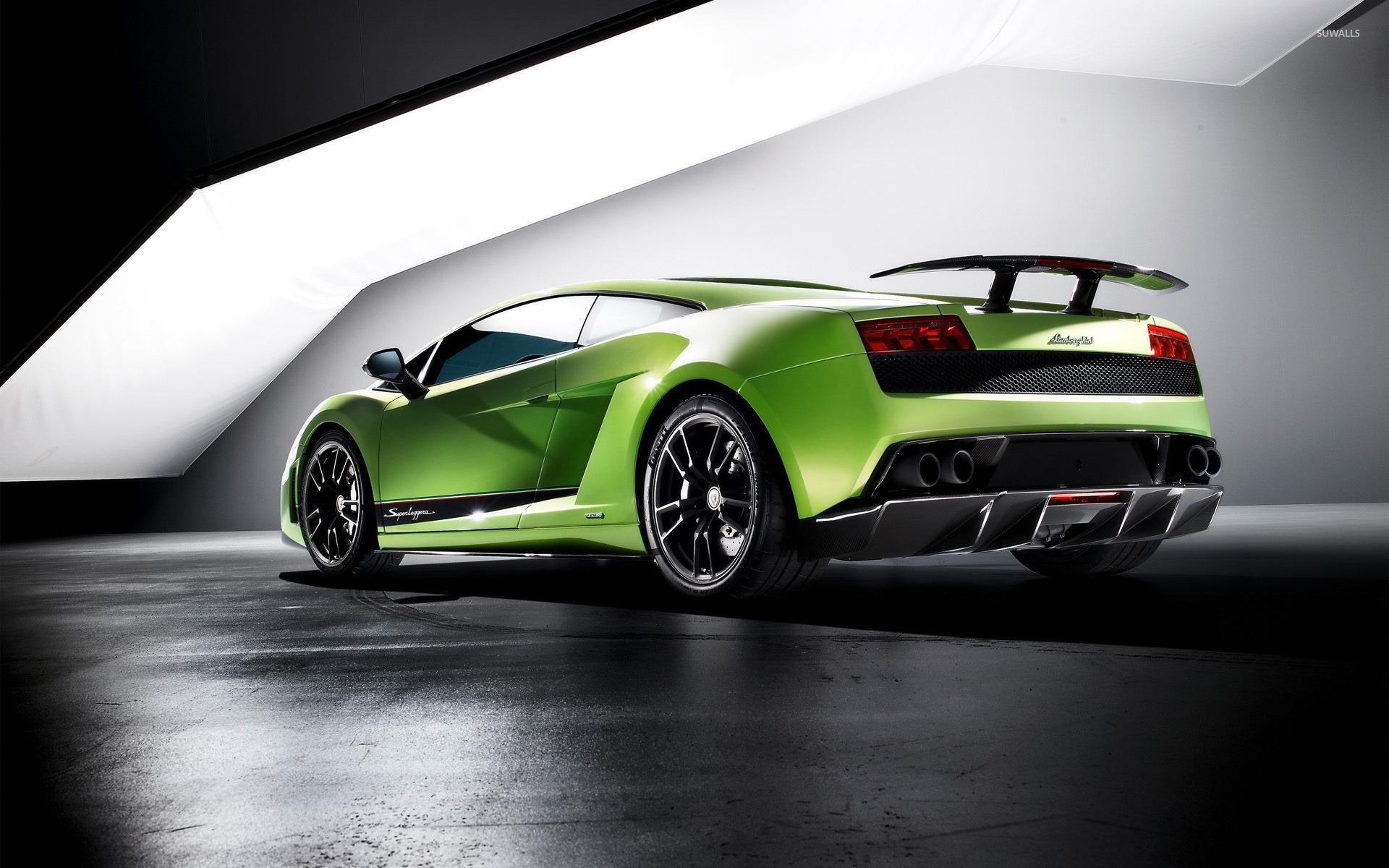 Side View Of A Green Lamborghini Gallardo Superleggera Wallpaper