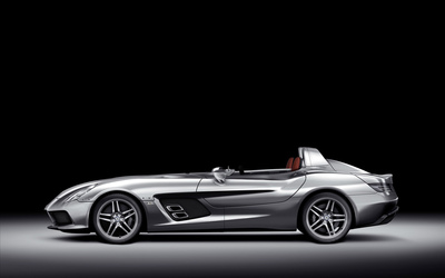 Side view of a silver Mercedes-Benz SLR McLaren wallpaper