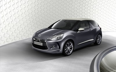Silver Citroen DS3 front side view wallpaper