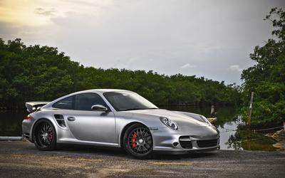 Silver Porsche 997 wallpaper