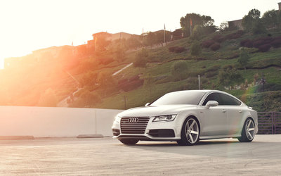 Sunset light upon a 2015 Audi A7 wallpaper