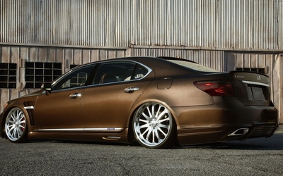 ViP Lexus LS side view wallpaper