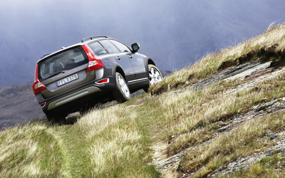 Volvo XC70 on a hill path wallpaper