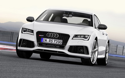 White Audi RS 7 quattro front view wallpaper