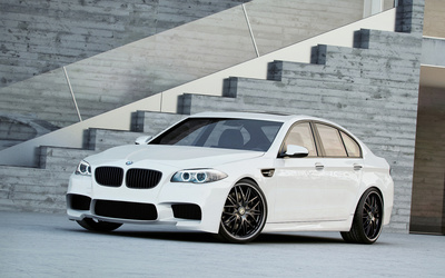 White BMW M5 front side view [2] wallpaper