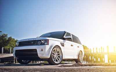 White Land Rover Range Rover front side view wallpaper