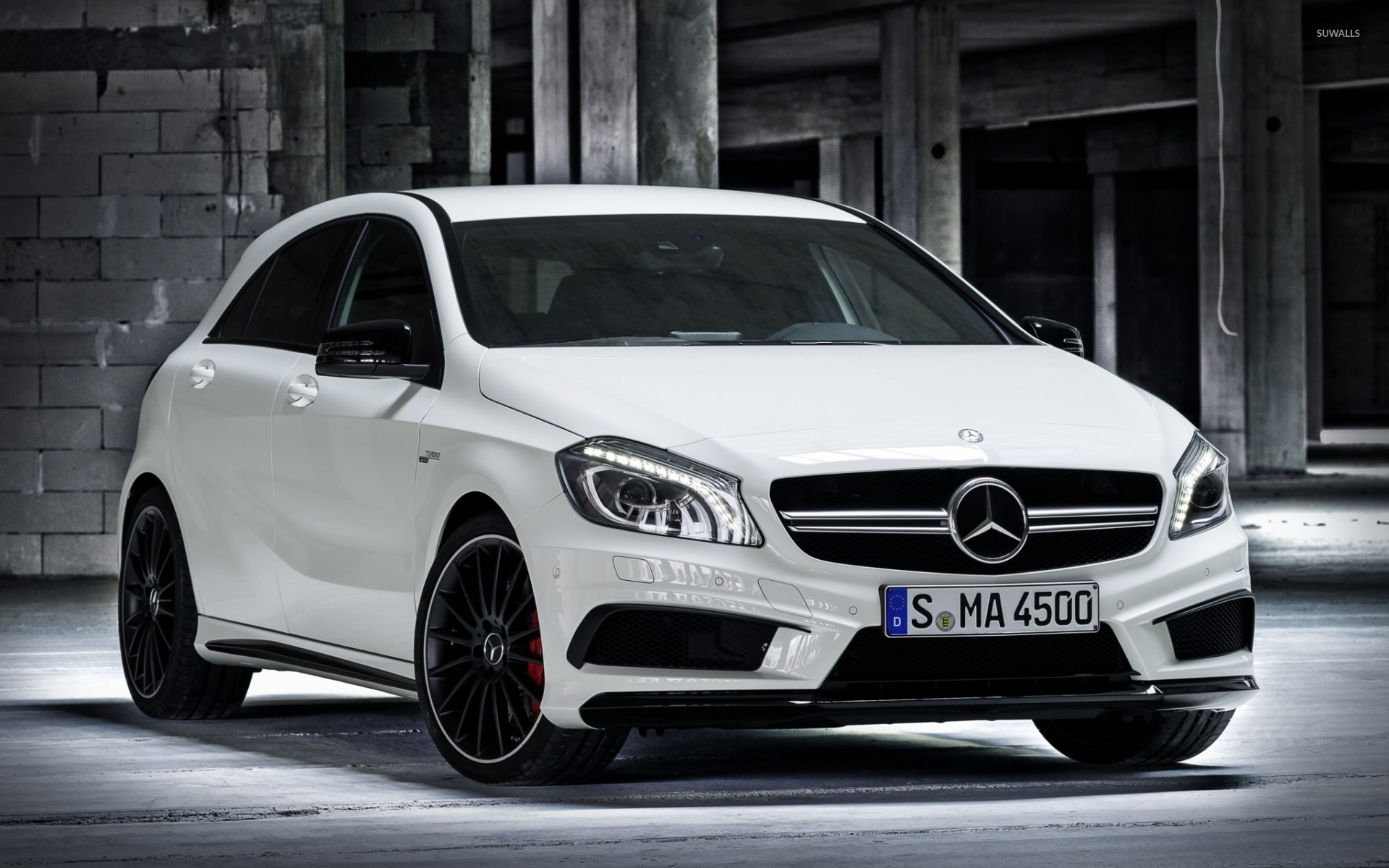 White mercedes benz a45 amg wallpaper car wallpapers for Mercedes benz a45 amg