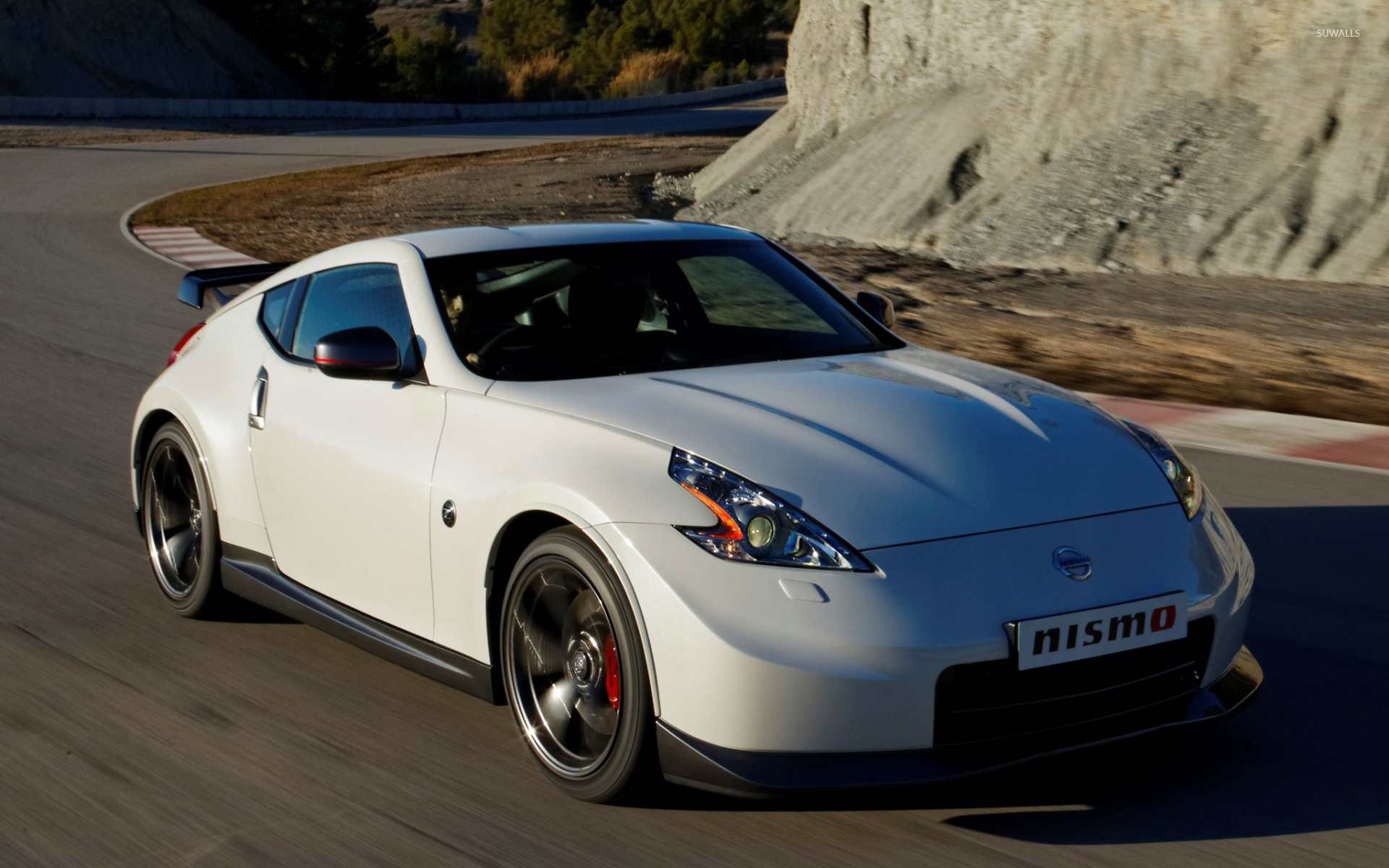 White Nissan 370Z Wallpaper